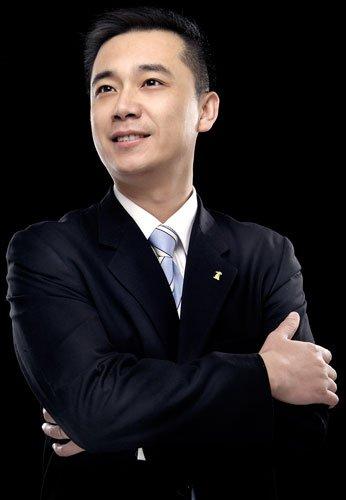 1-至今 江苏南通电视台新闻中心 记者 首席播音员  奖励纪录:1995年