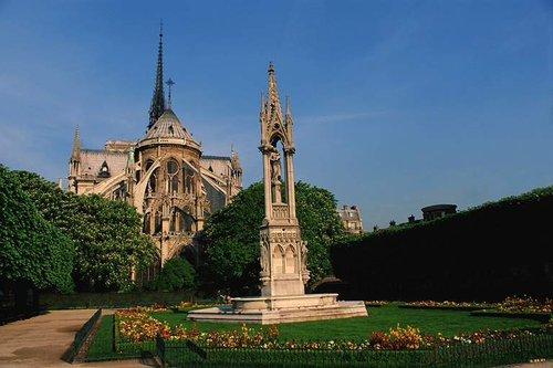 法国著名景观之巴黎圣母院