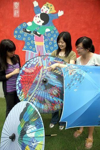 世博元素融入上海民间工艺品