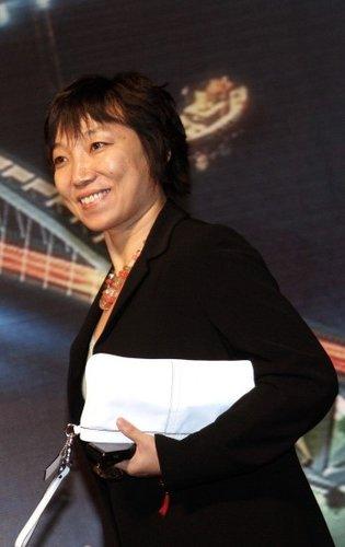 中国女足黄金一代先锋 世纪足球小姐属于孙雯
