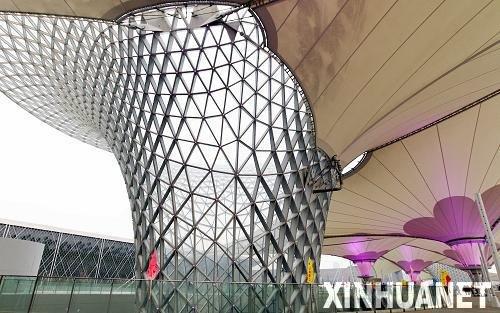 世博轴工程正式竣工 把最奇美的建筑献给观众