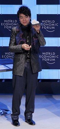 世博大使郎朗参加达沃斯 称上海展现中国新貌