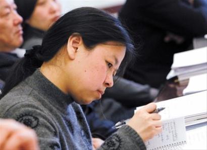 """世博志愿者有专长 应当""""挂牌亮相""""(组图)"""
