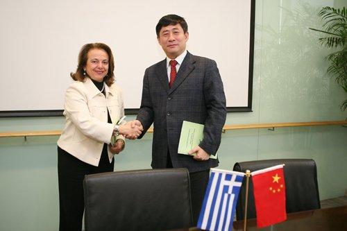 希腊驻沪总领事访问世博局 签署希腊馆备忘录