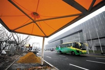 世博公交采用环保新能源 参观游客可免费乘坐