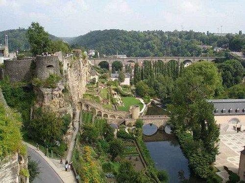 卢森堡:盛满沧桑的峡谷王国