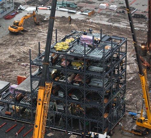 远大馆最晚开工最快建成 六层高楼一天完工