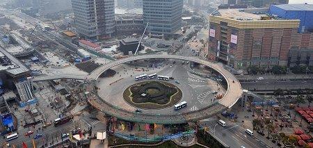 上海道路景观换新颜 硬件上去了如何管理?