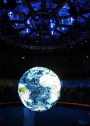 世博德国馆如真实都市 馆内金属球现神奇魅力