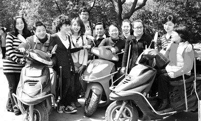 """世博残疾人志愿者培训 口语手语同步""""解说"""""""