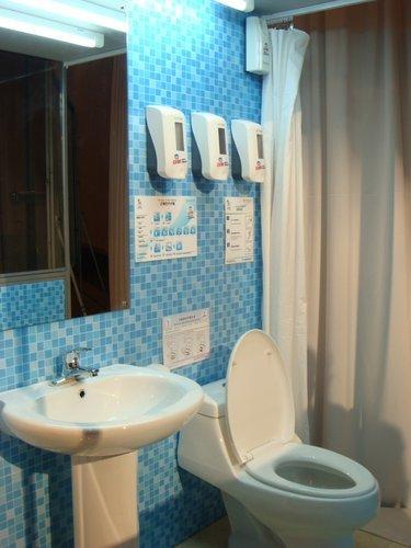 世博园厕所需9种清洁产品 保洁每天洗手8次