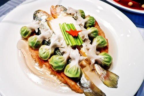 世博园区餐厅汇聚全球美食 人均消费10元起