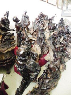 """天津根雕艺术品""""十八罗汉""""有望亮相世博会"""