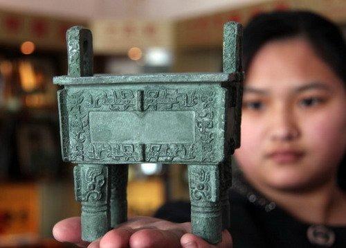 世博会中国馆从全国挑8件国宝进行展览