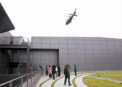 警用直升机亮相世博园 世博警务空中航线开通