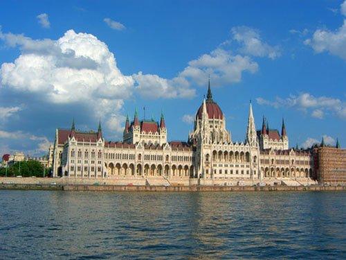 施特劳斯巴黎世博会演奏蓝色多瑙河扬名世界