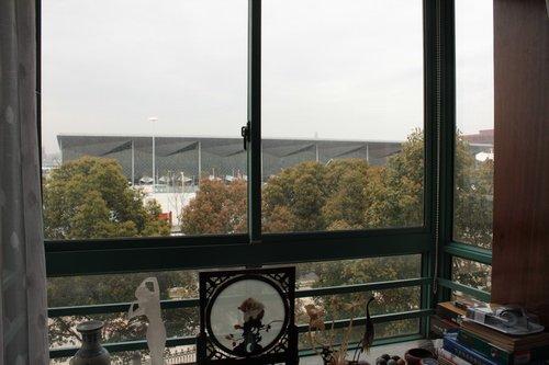 世博园旁景观房月租近三万 临窗可见中国馆
