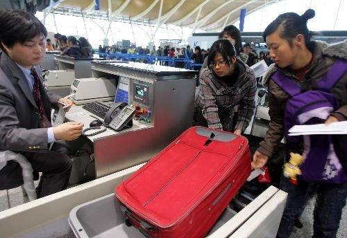 上海警方荷枪实弹24小时巡逻 严防劫机事件