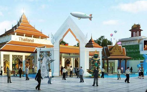 媒体世博园泰国馆体验:名寺门神欢迎游客