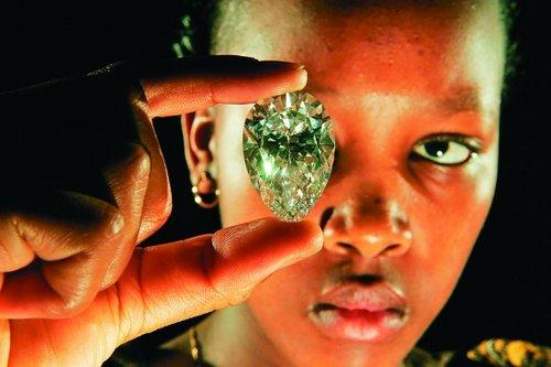 比利时馆演绎钻石秀 可口可乐馆推出纪念铝瓶