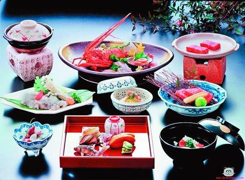 日本产业馆享受奢华料理 印度馆咖喱美食飘香