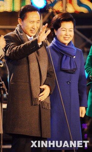 韩国总统李明博将出席上海世博会开幕式