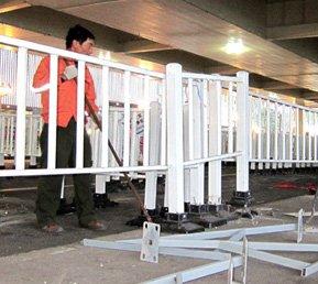 上海世博园场馆拆除工作陆续展开
