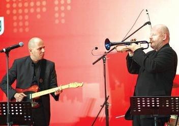 卢森堡艺术家带来美妙的音乐。