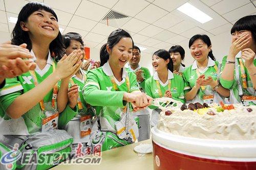 都江堰检察官成世博志愿者 地震纪念日庆生