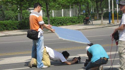 《零距先锋》武汉遭遇高温 工作人员带病上阵