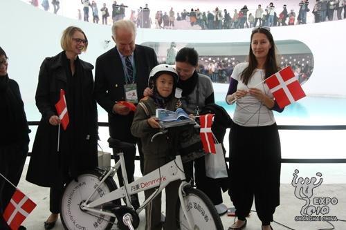 丹麦馆参观人数超555万 小美人鱼下周返乡