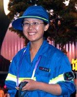女大学生清洁工一天绕场馆70余圈