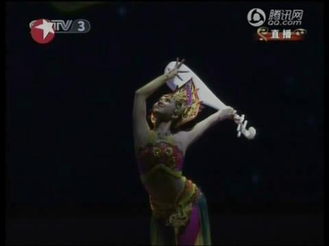 视频:舞蹈敦煌情韵惊艳 反弹琵琶摇曳生姿