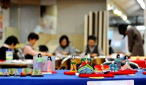 日本女儿节:艳丽人偶为女孩祈祷健康幸福