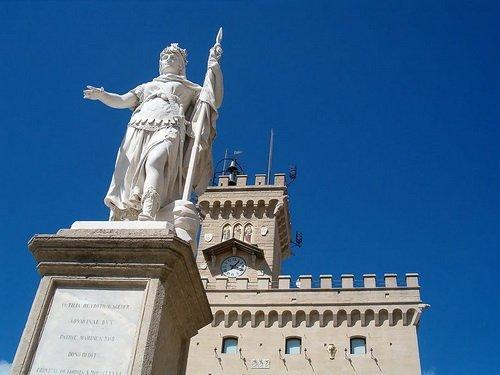 圣马力诺自由女神走进世博 庇佑最古老共和国