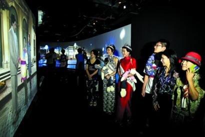 世博奶奶:中国中秋有情有义 回去过中式佳节