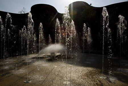 """用""""水""""和""""花园""""展现新加坡的时尚"""