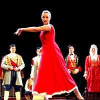 黑山馆日民族歌舞成压轴戏 秀南欧风情