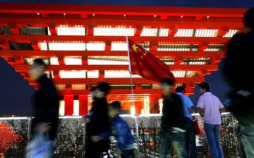 世博会催生最热黄金周 游客数三天抵往年一周