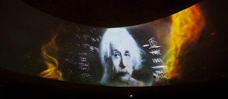 爱因斯坦手稿现身以色列馆