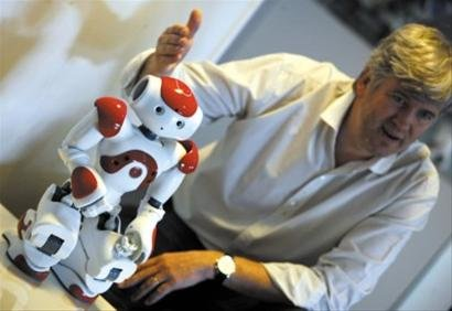 特别看点:各展馆智能机器人 比比谁更聪明