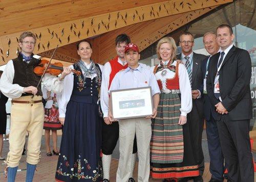 挪威馆迎来第一百万名游客 品尝正宗挪威美食