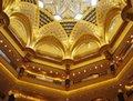 高清:四十吨黄金打造出的八星酒店