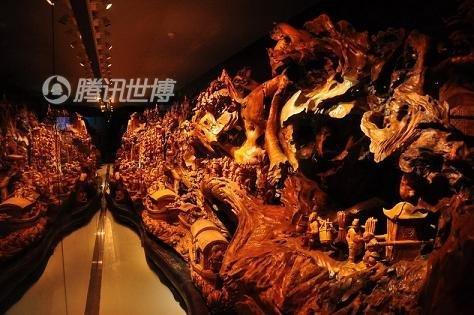 河南馆爆满 巨型根雕《清明上河图》藏地下
