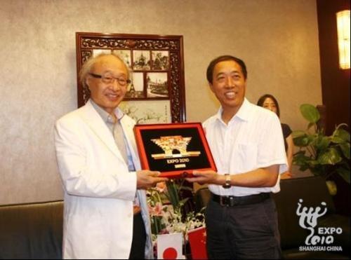 日本志愿者协力实行委员会代表团访问世博局
