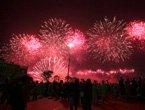 视频:灯光喷泉焰火表演 第一章中国欢迎你