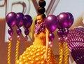 高清:奇特的气球时装完美演绎秋冬彩妆潮