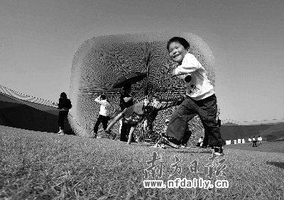 英国馆暗藏26万种子 世博后展馆将保留在中国