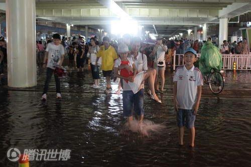 暴雨影响世博园:可乐馆闭馆 思科馆渗水