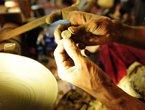 高清:世博斯里兰卡馆 工匠打磨宝石展示传统